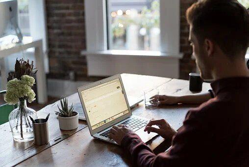 Equilibrio tra ufficio e smart working